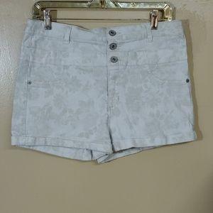 Tinseltown 3 Button High Waist Jean Shorts NWOT 14